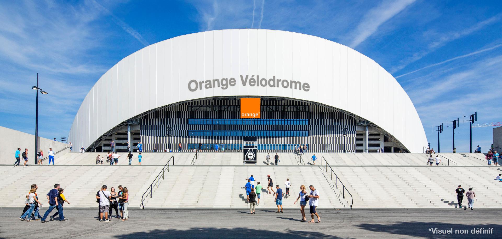 image-le-velodrome-passe-a-l-orange-dans-le-brouillard-01
