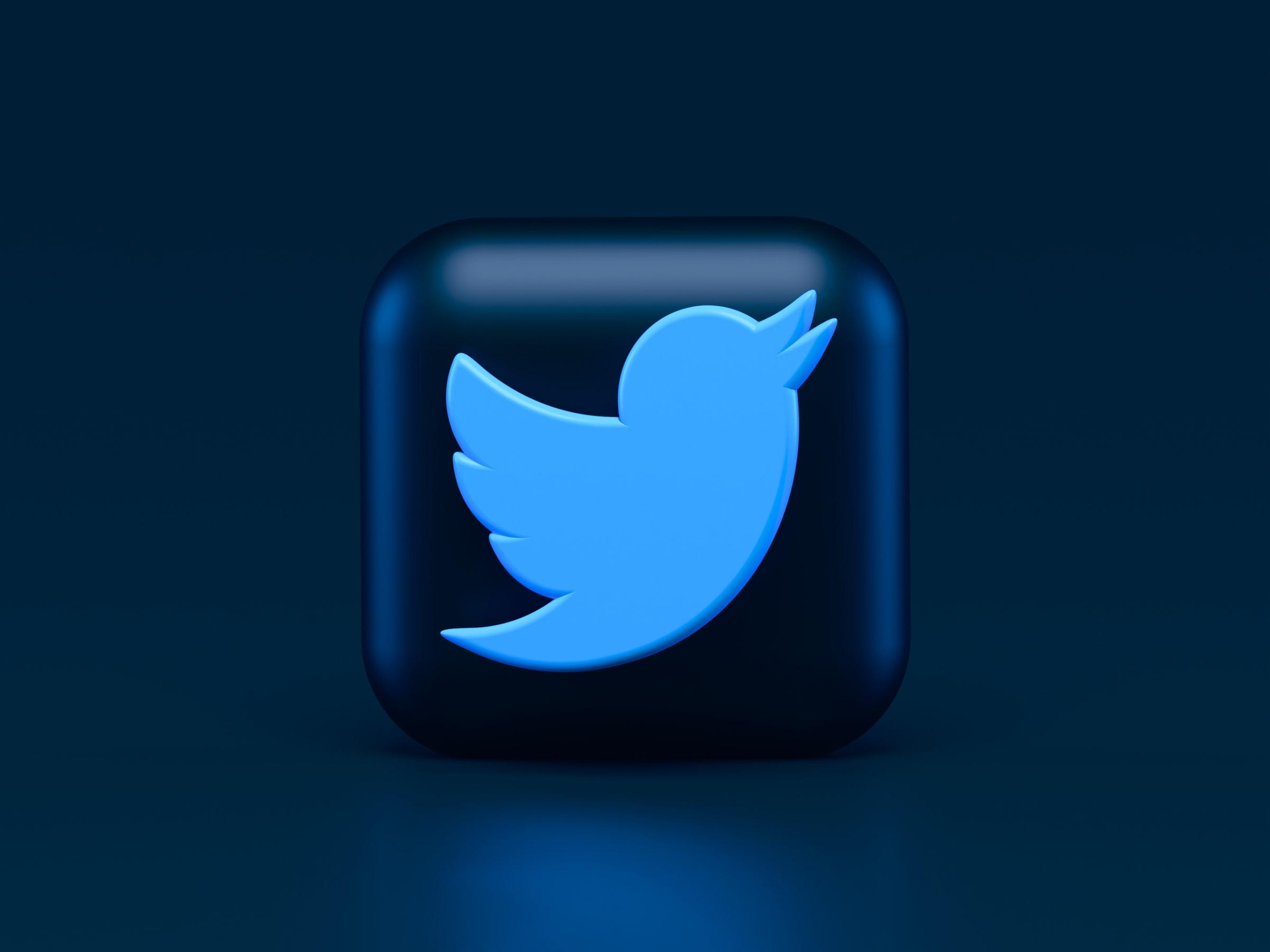 community management Twitter